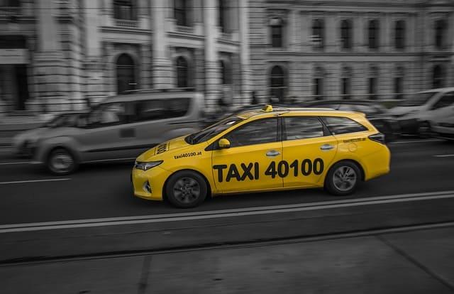 заработать в яндекс такси