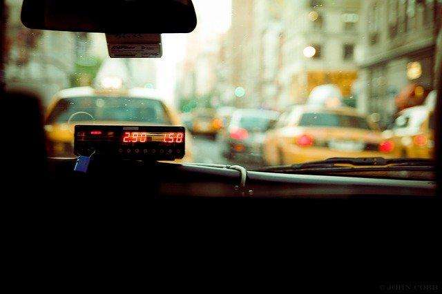 работа водителем в такси