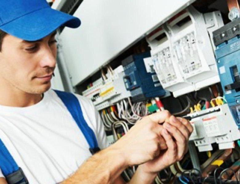 сколько зарабатывают электрики