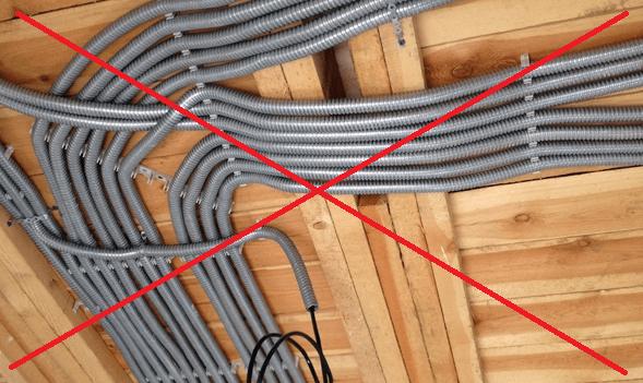 прокладка кабеля в деревянных постройках