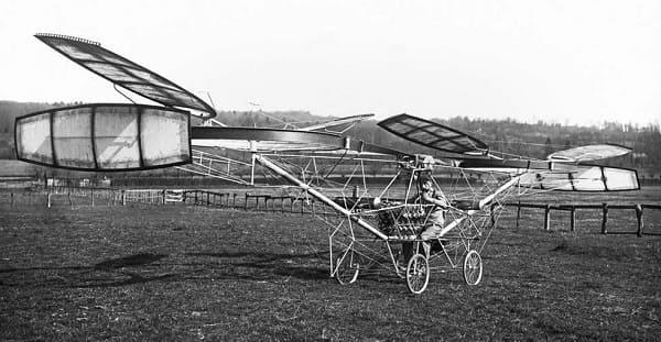 Кто изобрел вертолет? История изобретения винтокрылой машины.